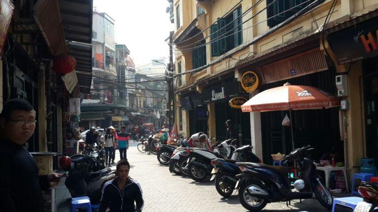 Ta Hien: Hanoi street food and cheap beer paradise