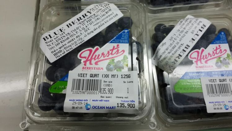 Only in Vietnam: $7 Blueberries