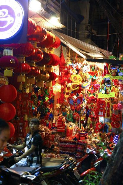 Hang Ma street Hanoi during Moon festival